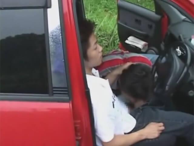 【セックスゲイ動画】今日はドライブデート…ムラムラしてきた2人は人のいない場所に車を止めてマッパで雄交尾wwその2