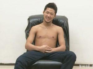 【企画ゲイ動画】21歳のバイセクシャルの素人の男がゴーグルマンとアナルセックスを楽しんで男性経験を増やすww