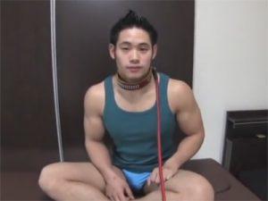 【セックスゲイ動画】体育会系のマッチョが首輪をハメられてペット状態…四つん這い手コキが犬っぽくてエロいww