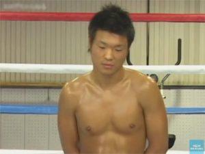 【乱交ゲイ動画】本物のプロボクサー小口幸太がスタミナ強化のためにリング上でチームメイトにアナルガン掘られww