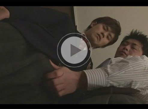 【セックスゲイ動画】学生とサラリーマンの2人のゲイカップルの愛し合っている姿を楽しむことができるww