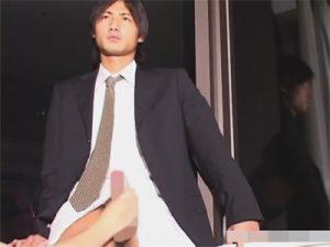 【セックスゲイ動画】男の良さに目覚めてしまいそう…スーツ姿のスリ筋イケメンがアナル責めにモロ感ww
