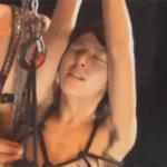 【SMゲイ動画】縛って吊ったジャニ系美少年を蝋燭と鞭でイジメてからAF…部屋中に断末魔と喘ぎ声が入り混じるww
