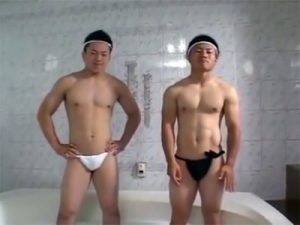【セックスゲイ動画】体育会系男子が懸垂対決でウケを決めてふんどし姿でマットプレイww