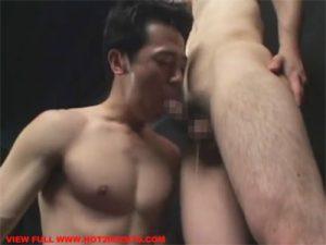 【セックスゲイ動画】チンポ中毒のスリ筋マッチョおじさんがノーハンドフェラでご奉仕したご褒美にバックでアナル姦ww