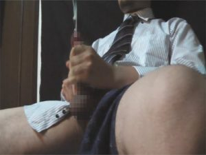 【無修正ゲイ動画】素人のリーマンがオナニーを自撮り撮影…止まらない淫語と射精が半端ない…ww