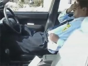 【無修正ゲイ動画】行動力のあるフケ専ゲイが素人のタクシー運転手に交渉しチンポやオナニーを個人撮影ww