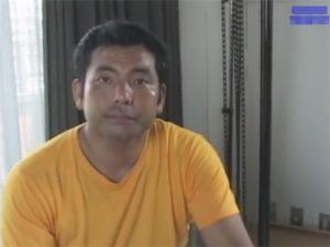 【オナニーゲイ動画】38歳のクマ系素人オヤジが亀頭をテカテカに光らせてカメラの前で手淫し射精ww