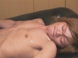 【無修正ゲイ動画】スリ筋のノンケギャル男クンをマットプレイでおもてなしする責め好きゴーグルマンww
