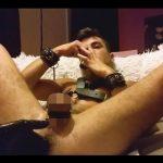 【外人ゲイ動画】白人の男がフィストファックをさせられてお尻の内部をえぐられまくっちゃうww