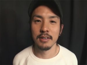 【セックスゲイ動画】仮性包茎のおちんちんを剃毛…髭が似合うワイルドなルックスのバイがエロい声で喘ぐww