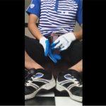 【無修正ゲイ動画】佐川男子の短い休憩時間…後処理の時間を削減するためコンドームを被せてオナニーww