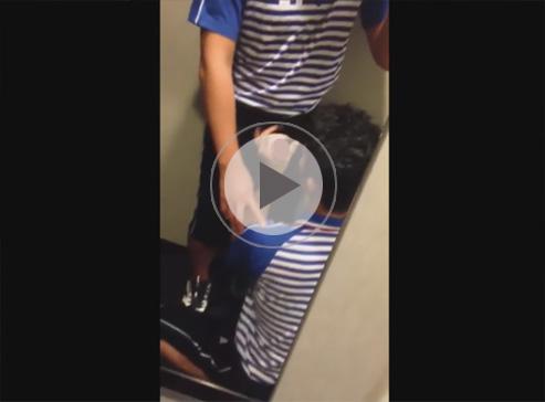 【無修正ゲイ動画】○川急便に勤めるゲイカップルが休憩中にトイレらしき場所でフェラチオww