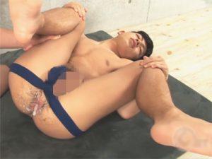 【セックスゲイ動画】少年のようなルックスのショタ系の巨根ボーイのアナルに種付けし逆流する精液と血液ww
