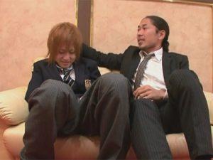【セックスゲイ動画】金髪のギャル男系とロン毛の男が学生服を着ながらアナルセックスを楽しみまくるww