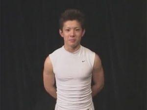 【フェラチオゲイ動画】素人のアスリート系がゴーグルマンに乳首舐めやフェラをされてから指入れと手コキを同時にされるww