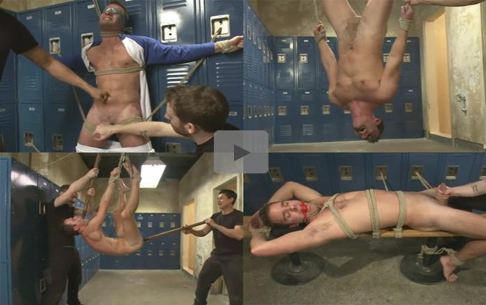 【SMゲイ動画】シュッとした白人の男が2人の男に拉致されて緊縛されてから極太のディルドでアナルをほじられ続けちゃうww