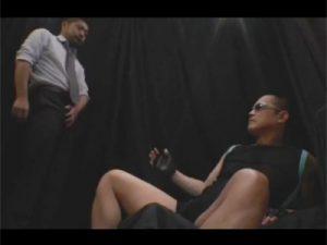 【セックスゲイ動画】坊主のイカニモ系がゴーグルマンにアナルセックスをされて気持ちよくしてもらっちゃうww