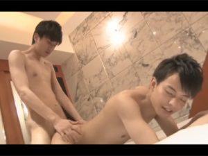 【セックスゲイ動画】可愛い系の2人のゲイカップルがホテルでアナルセックスを楽しむことになるww