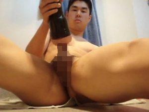 【無修正ゲイ動画】朝青龍に似た顔のぽっちゃり系の男が巨大なオナホを使ってオナニーを楽しんでしまうww