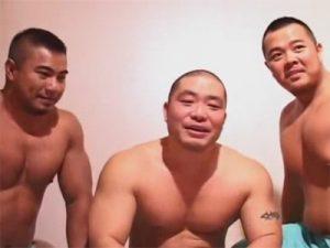 【企画ゲイ動画】24会館上野店をシンガポールから来日したガチムチカップルとガチムチジャパニーズの3人がリポートww