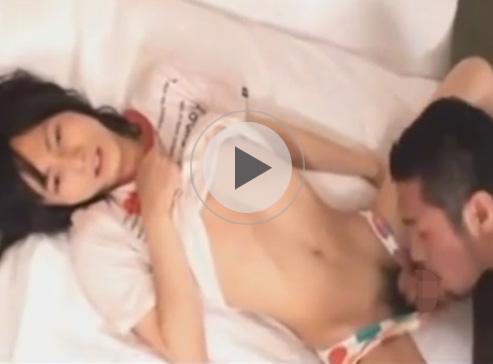 【無修正ゲイ動画】フェミニンなロン毛の男がイカニモ系の男に攻められ続けてアナルにチンコを挿入され続けるww