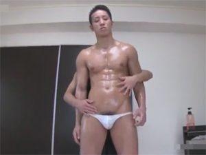 【セックスゲイ動画】自慰で射精した後は生AF…マッチョイケメンが四つん這いで種付けされ尻穴から滴る卑猥なザーメンww