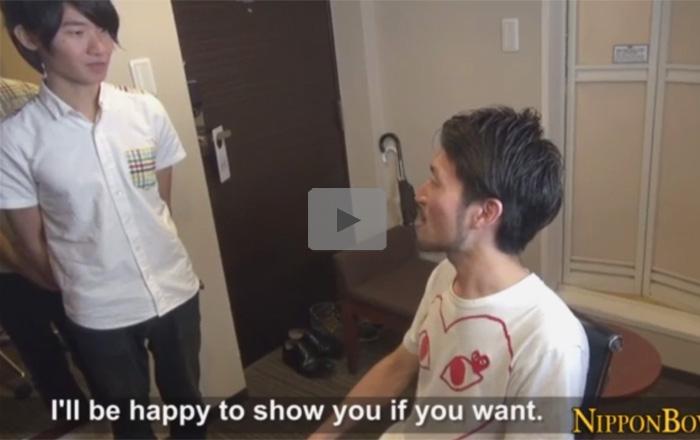 【無修正ゲイ動画】ノンケのジャニーズ系のイケメンがワイルド系の男にアナルを弄られてアナルセックスまでさせられるww