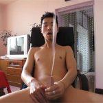 【外人ゲイ動画】イカニモ系アジアンが休む間もなく3連続射精…金玉汁が完全に無くなるまでマスターベーションww