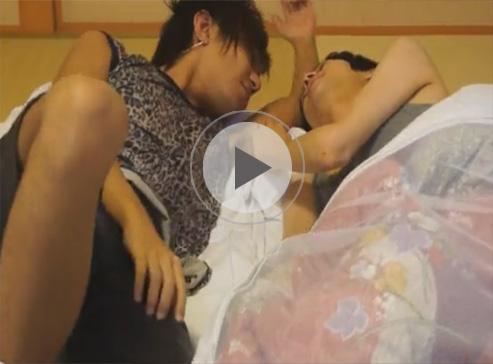 【無修正ゲイ動画】和室でイケメンカップルが盛り合い…相互フェラで性器を舌や口で愛で合うww